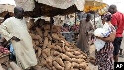 尼日利亞油價上升帶動物價上漲。