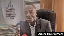 Le directeur général de l'Action humanitaire, Clément Essieke, à Brazzaville le 27 novembre 2019 (VOA/Arsène Séverin)