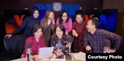Beberapa penyiar VOA Siaran Bahasa Indonesia di Studio VOA (foto: courtesy).