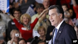美國共和黨總統參選人羅姆尼星期二晚在佛羅里達州坦帕會議中心慶祝他在這個州初選獲勝。