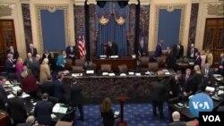 Phiên xử luận tội Tổng thộng Donald Trump ở Thượng viện sang ngày thứ 5, khi các luật sư bào chữa chuẩn bị trình luận cứ (ảnh tư liệu ngày 25/1/2020)