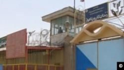 انتقال زندانیان سیاسی از زندان کارون اهواز موجب نگرانی فعالان حقوق بشر شده بود