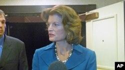 联邦参议员穆尔科斯基(Sen. Lisa Murkowski)接受美国之音采访