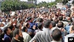Протести и штрајкови се шират додека египетскиот режим ја заострува својата позиција