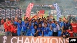 سری لنکا کی وزارتِ کھیل کے سیکرٹری کے مطابق ورلڈ کپ 2011 کی تحقیقات کے سلسلے میں کریمنل انویسٹی گیشن کا آغاز کر دیا گیا ہے۔