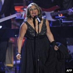 Darlene Love trình diiễn tại buổi lễ ở New York