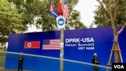 美朝峰会2019年2月27日召开。越南河内处处可见峰会相关准备以及荷真枪实弹的警备人员。(美国之音黄耀毅拍摄)