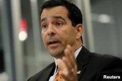 Direktor Nacionalnog centra za kontraobaveštajna pitanja i bezbednost, Vilijam Evanina, na Rojtersovom samitu o sajber bezbednosti u Vašingtonu, 31. oktobra 2017.