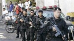 پلیس برزیل موادمخدر و اسلحه های مصادره شده از باندهای موادمخدر را به نمایش گذاشت