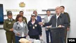 María Palacios, presunta asistente del exministro Juan Ramón Quintana y mujer que fue detenida, en el aeropuerto, como 100.000 dólares .