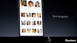 Craig Federighi, Senior Vice President of Software Engineering for Apple Inc., talks about face recognition with iOS at the company's World Wide Developers Conference in San Francisco, California, U.S. on June 13, 2016. (REUTERS/Stephen Lam)