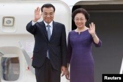 中国总理李克强和夫人抵达加拿大渥太华国际机场(2016年9月21日)
