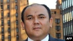 Muxtor Jumaliyev 7-dekabr kuni Vashingtonda prezident Barak Obamaga ishonch yorlig'ini topshirdi. Aloqalar mustahkam, deydi u.