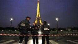 برج ایفل در پاریس تخلیه می شود