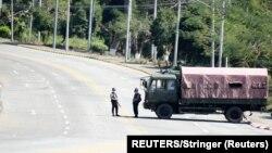 میانمار میں فوج نے جگہ جگہ چیک پوسٹس قائم کر دی ہیں۔ یکم فروری 2021