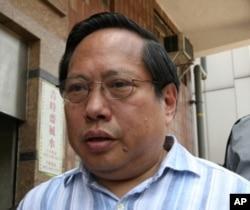 民主黨主席何俊仁指責北京抹黑艾未未