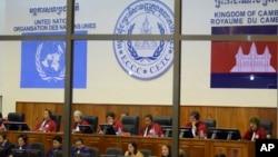 聯合國支持的審理前紅色高棉領導人罪行的柬埔寨特別法庭正在聽審。 (資料照)