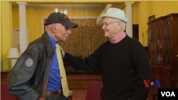 兩名二戰老兵難得機會見面。(視頻截圖)