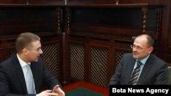 Predsednik Skupstine Srbije Nebojsa Stefanovic i izvestilac Evropskog parlamenta za Srbiju Jelko Kacin tokom susreta u Domu Narodne skupštine u Beogradu.