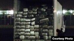 集装箱内满载的大麻(美国海关图片 )