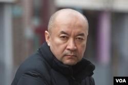 流亡英国的前新疆维吾尔族外科医生安华托帝·博格达 (Enver Tohti) (安华托帝·博格达 提供)