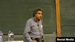 İran asıllı İngiliz Profesör Abbas Edalat Nisan Ayından bu yana İran'da tutuklu bulunuyordu