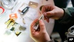 En Uruguay comienza la venta de marihuana en farmacias en aplicación de una ley de 2013.