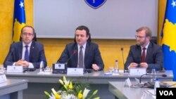 Nga një mbledhje e qeverisë në muajin shkurt