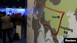 지난 1월 홍콩에서 열린 아시아 금융포럼 회의장에 중국의 '일대일로' 구상을 설명한 자료가 게시돼있다. (자료사진)