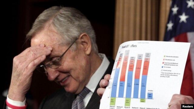 Tanto Reid, como el líder de la minoría republicana del Senado, Mitch McConnell, mantienen febriles negociaciones, aunque sin éxito.