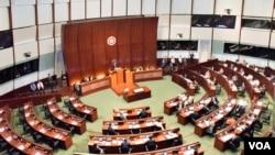 香港立法會通過「規定初中中國歷史獨立成科」無約束力動議。(美國之音湯惠芸攝)