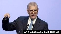 Princ Endrju tokom govora na poslovnom forumu na Tajlandu - arhivska forografija (AP Photo/Sakchai Lalit, FILE)