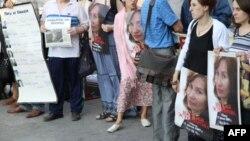Митинг памяти Натальи Эстемировой в Москве. 15 июля 2010 года