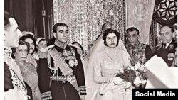 تصویری از مراسم ازدواج محمدرضا پهلوی و ثریا اسفندیاری - دی ۱۳۲۹