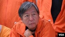 香港前立法会议员议员李卓人在立法会补选中输给亲北京认识陈凯欣(美国之音汤惠云拍摄 )