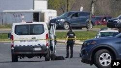 Policija blizu mjesta pucnjave u Fredericu, Maryland (Foto: AP/Julio Cortez)