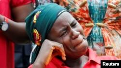 Familiar de uma das raparigas de Chibok