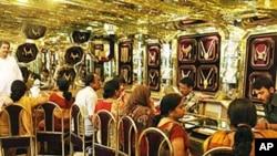 印度人在黄金首饰店