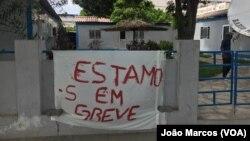 Trabalhadores da Rádio Morena Comercial em greve, Benguela, Angola