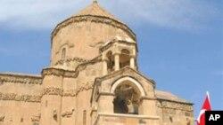 Türkiye iki yıl önce Akdamar Kilisesi'ni ibadete açmıştı