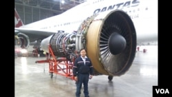 ທ່ານ ສີນປຣະເສີດ ວັນນະຣາດ ນາຍຊ່າງແປງເຮືອບີນ Boeing 747 ແລະ Airbus 380 ຂອງບໍລິສັດການບິນ Qantas ຂອງອອສເຕຣເລຍ.
