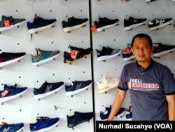 Untoro, Koordinator Gerakan Masyarakat Bela Beli Indonesia DIY. (Foto: VOA/Nurhadi Sucahyo)