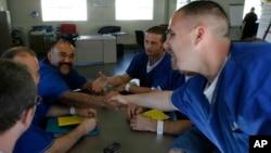 Para napi AS di penjara Santa Clarita, California (foto: dok).