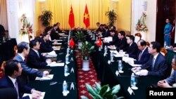 Quang cảnh cuộc gặp giữa Ủy viên Quốc vụ viện Trung Quốc Dương Khiết Trì với Phó Thủ tướng-Ngoại trưởng Việt Nam Phạm Bình Minh tại Hà Nội, ngày 18/6/2014.