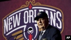 Том Бенсон – владелец New Orleans Hornets.