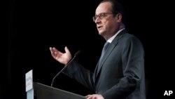 Франсуа Олланд выступает в Институте арабского мира в Париже. Франция. 15 января 2015 г.