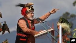 Đảng Bharatiya Janata thuộc phe đối lập ở Ấn Độ, theo dự liệu, sẽ là đảng chiếm được nhiều ghế nhất tại quốc hội sau cuộc bầu cử sắp tới, dọn đường cho lãnh tụ Narendra Modi (trong hình) lên làm thủ tướng.