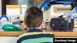 Djeca koja boluju od cistične fibroze u Unsko-sanskom kantonu mjesecima čekaju da im Zavod zdravstvenog osiguranja odobri skupe lijekove. Dok su čekali odobrenje, nekima se stanje pogoršalo, a neki su odselili u inostranstvo., Foto: CIN