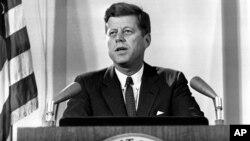 케네디 전 대통령의 유산 '평화봉사단'