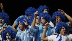 Des fans de l'Uruguay avant un match de la Copa America contre l'Argentine, Buenos Aires, 24 juillet 2014.